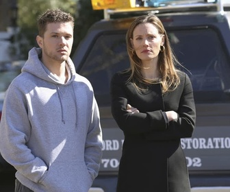 Replay Secrets and lies - S1E1 : L'enfant
